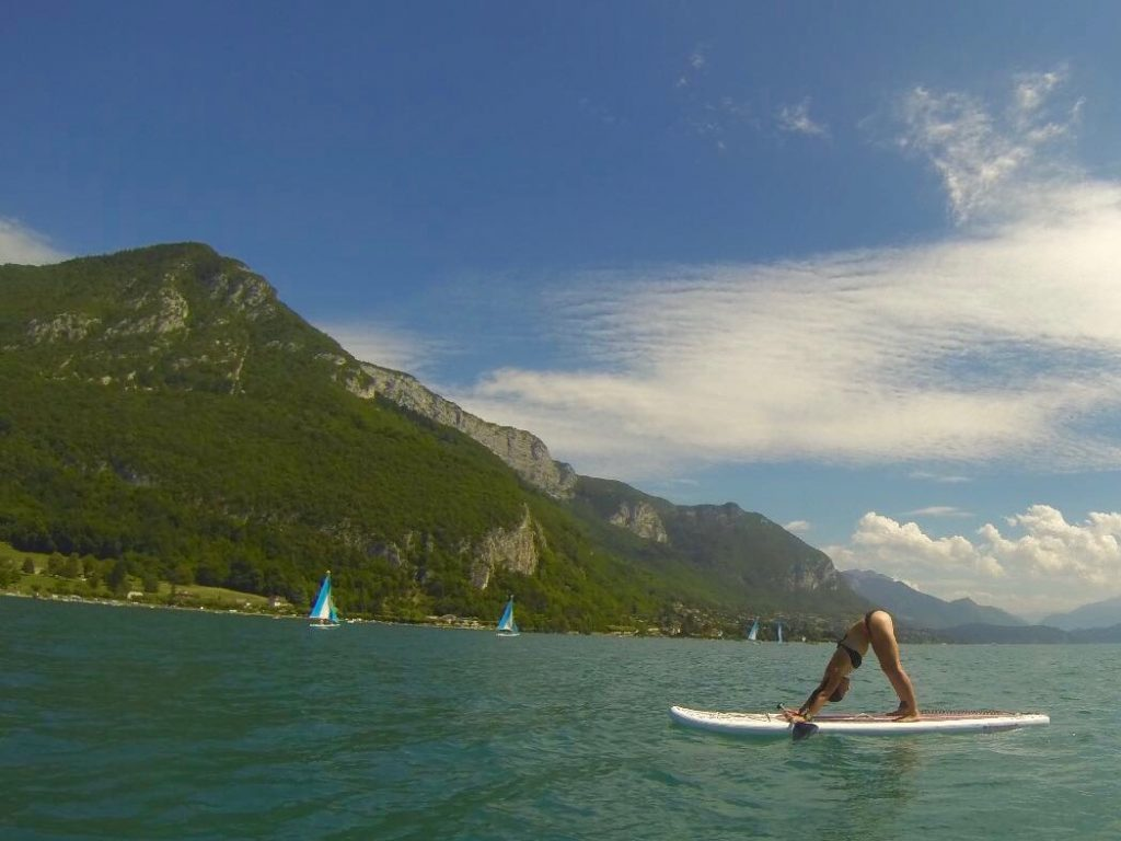 Annecy paddle surf deportes en el medio natural Alpes Grenoble