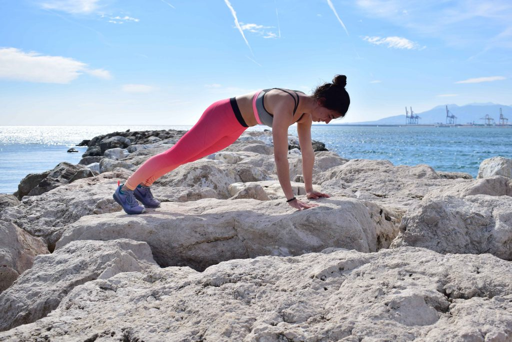 plancha frontal yoga mtraining