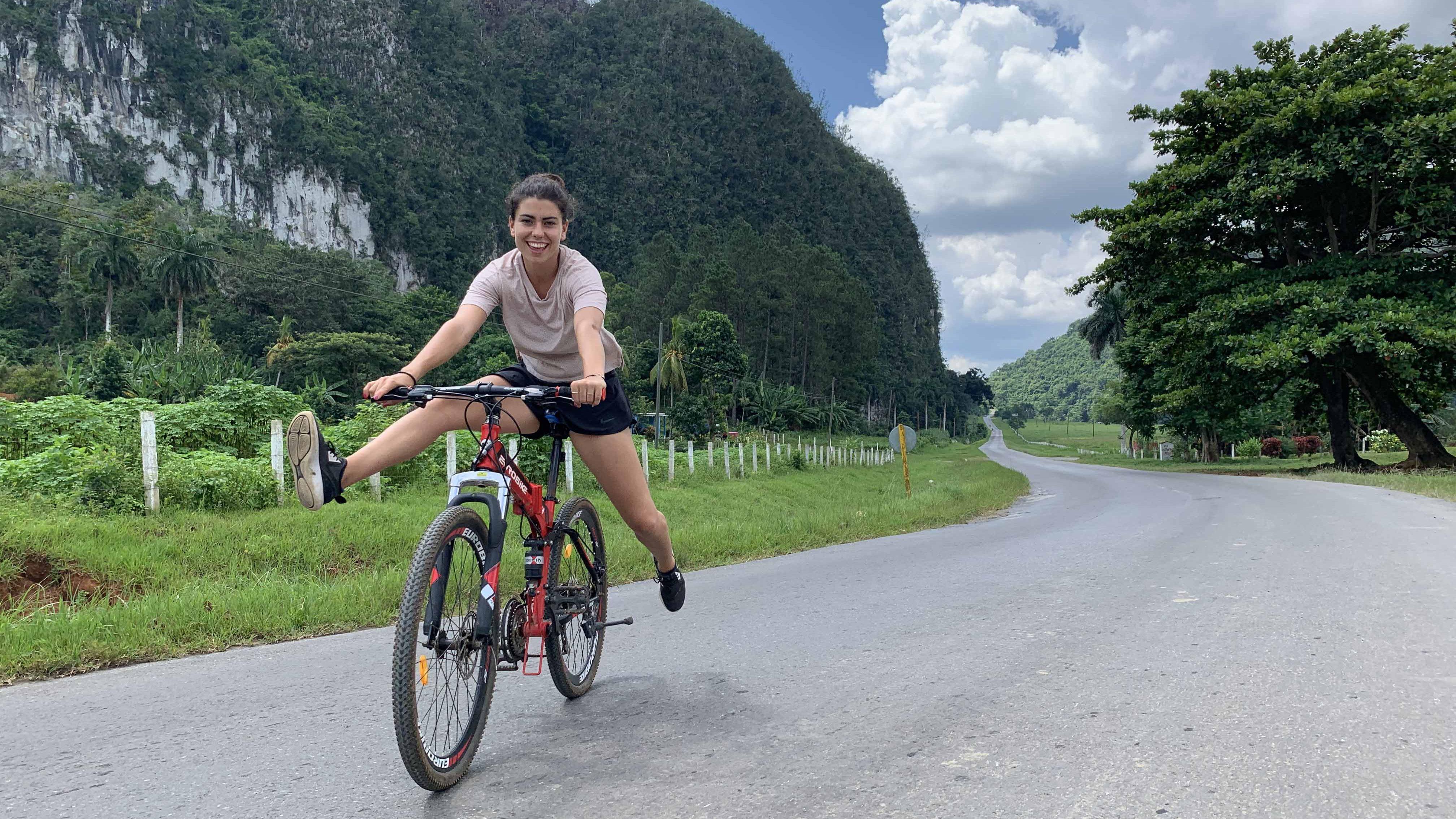 Ruta en Bicicleta por Viñales una actividad diferente en Cuba